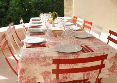 Domaine de Vincenti | La Terrasse - Table extérieure