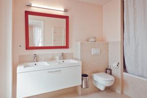 Domaine de Vincenti   La Terrasse - Salle de bain
