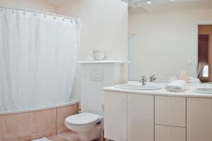 Domaine de Vincenti   Le Colombier - Salle de bain