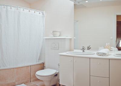 Domaine de Vincenti | Le Colombier - Salle de bain